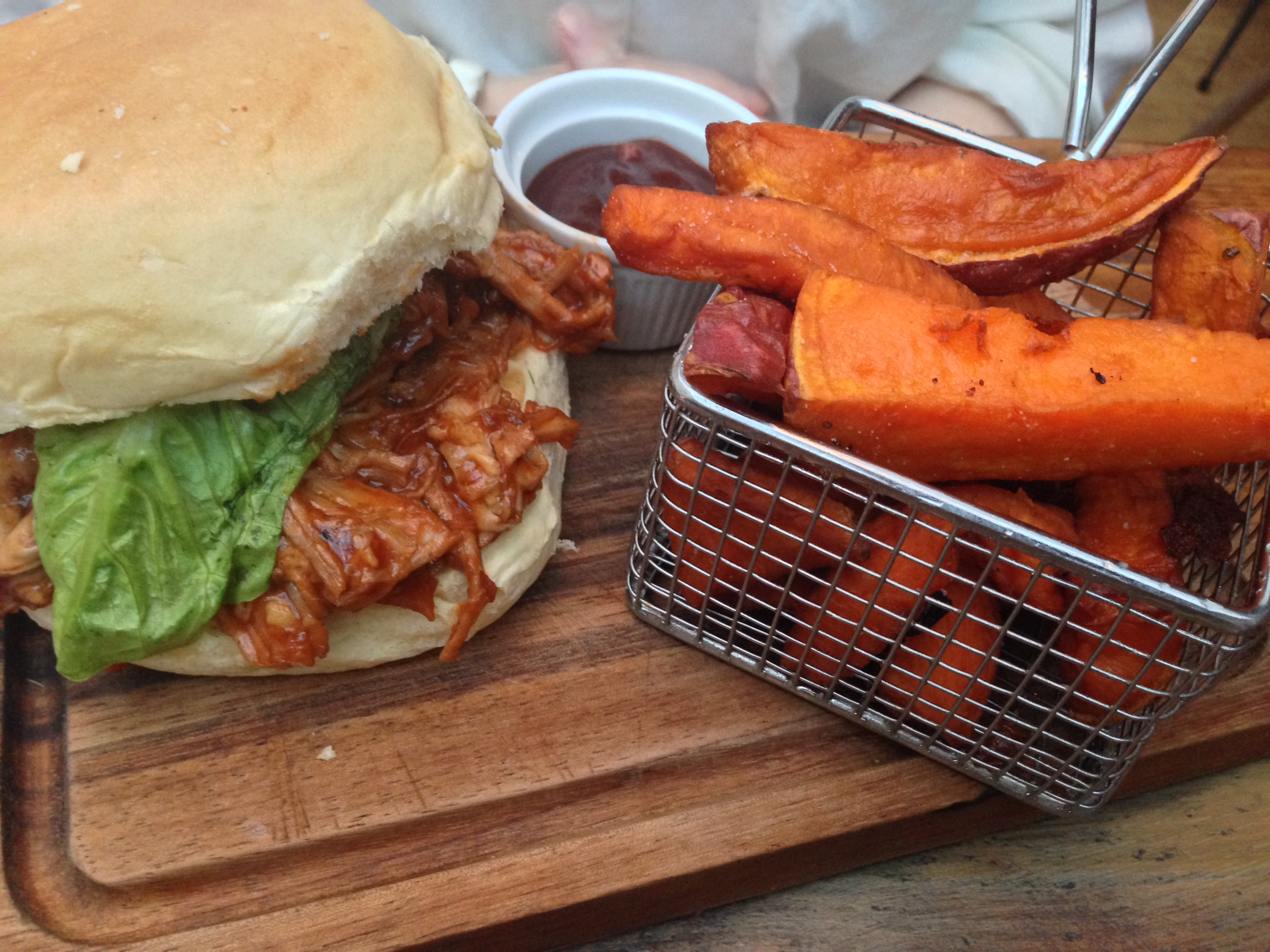 jam jar pulled pork bun
