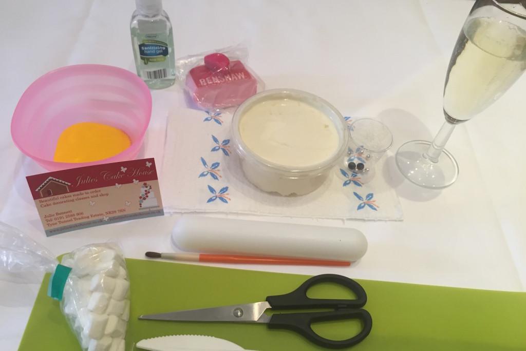 cupcake decorating kit