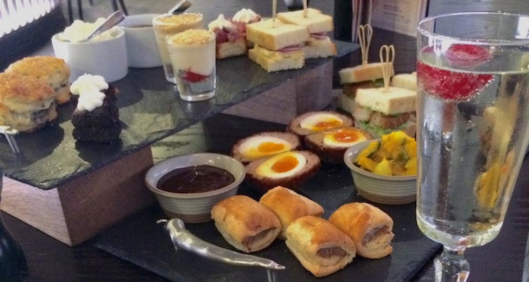 Bonbar Afternoon Tea Prosecco