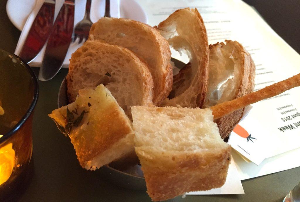 caffe vivo breads