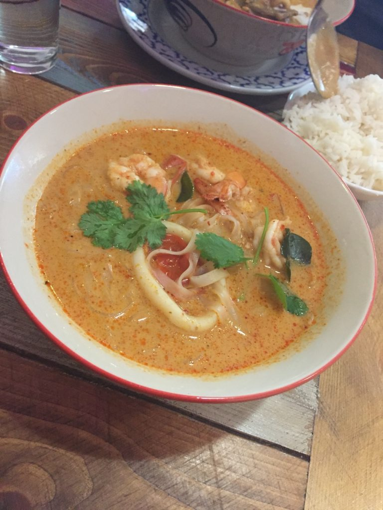 thai house cafe seafood curry