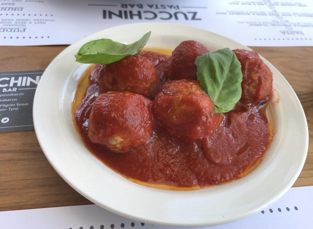 zucchini-pasta-bar-meatballs