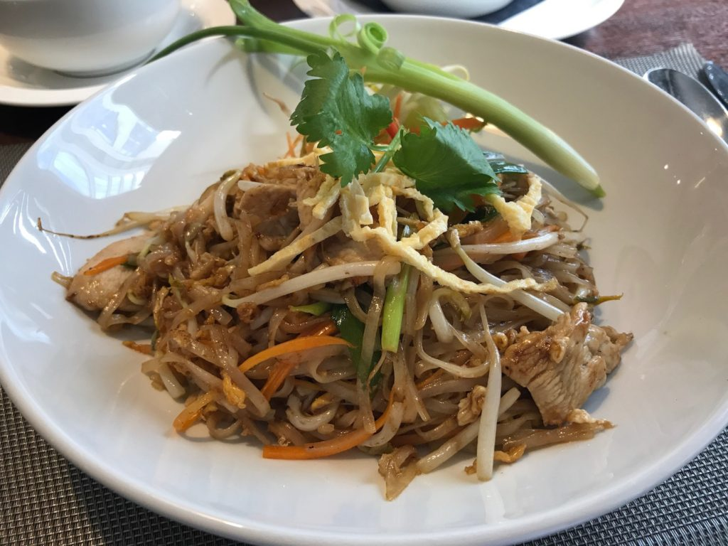 mantra pad thai chicken