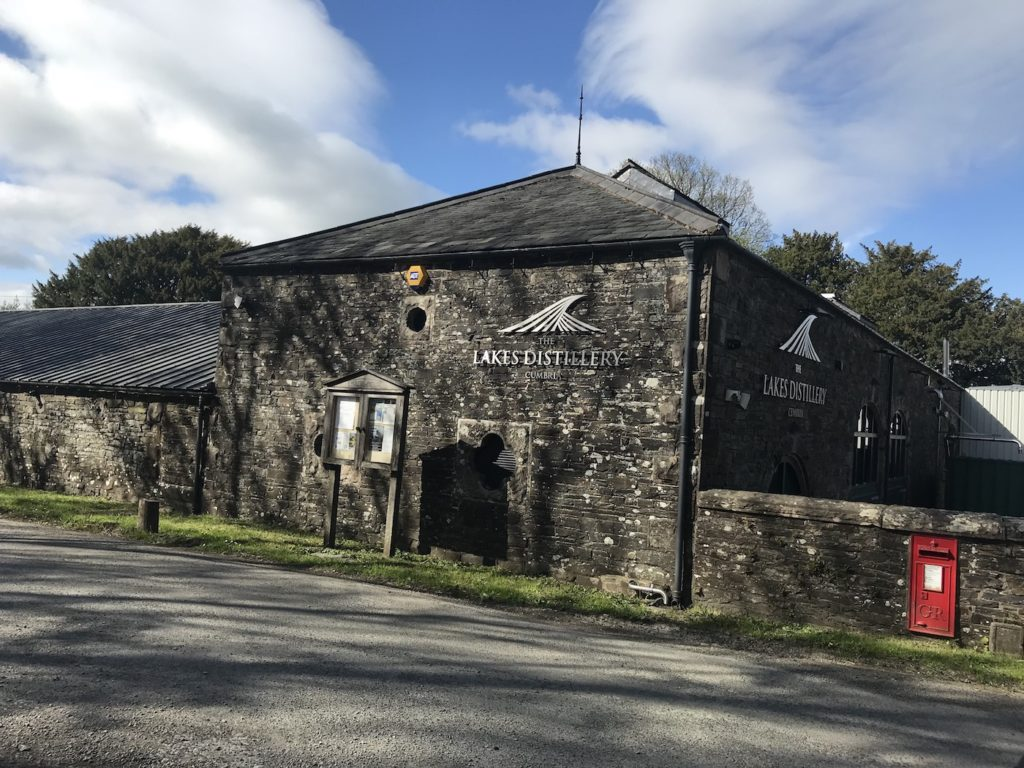 lakes distillery review