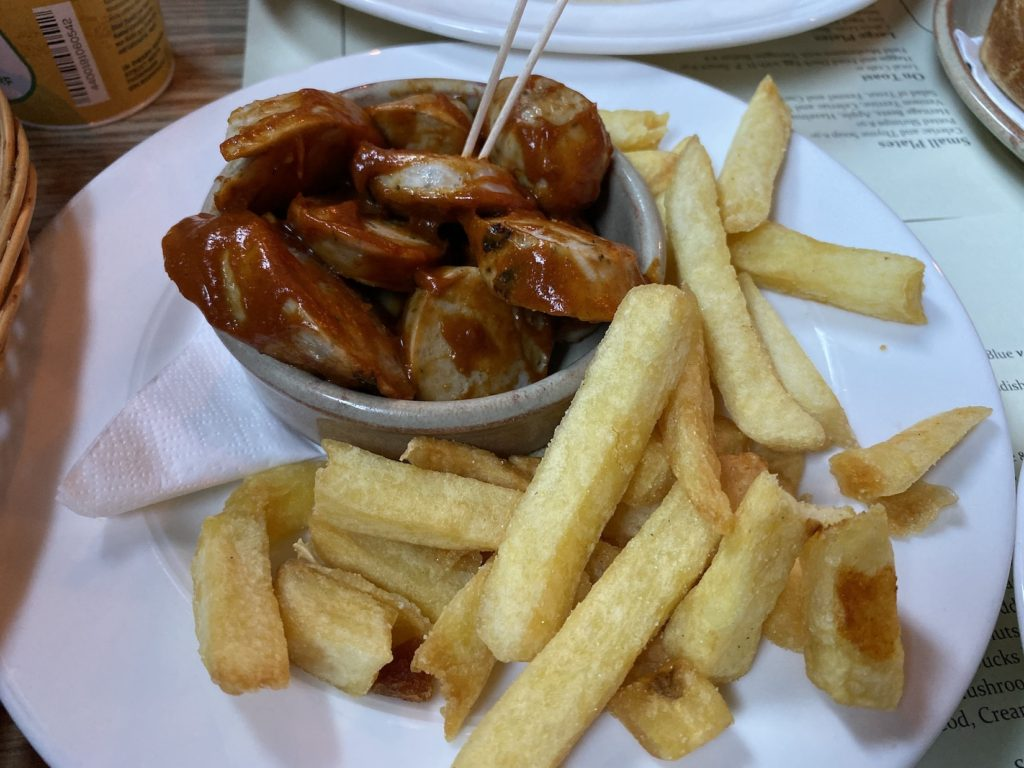 broad-chare-currywurst-02